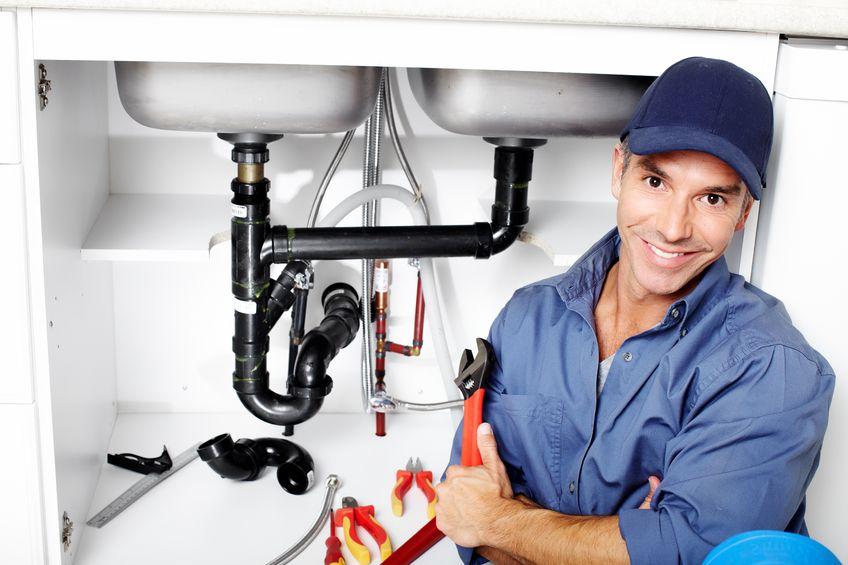 Des installations de plomberie partout dans les bâtiments